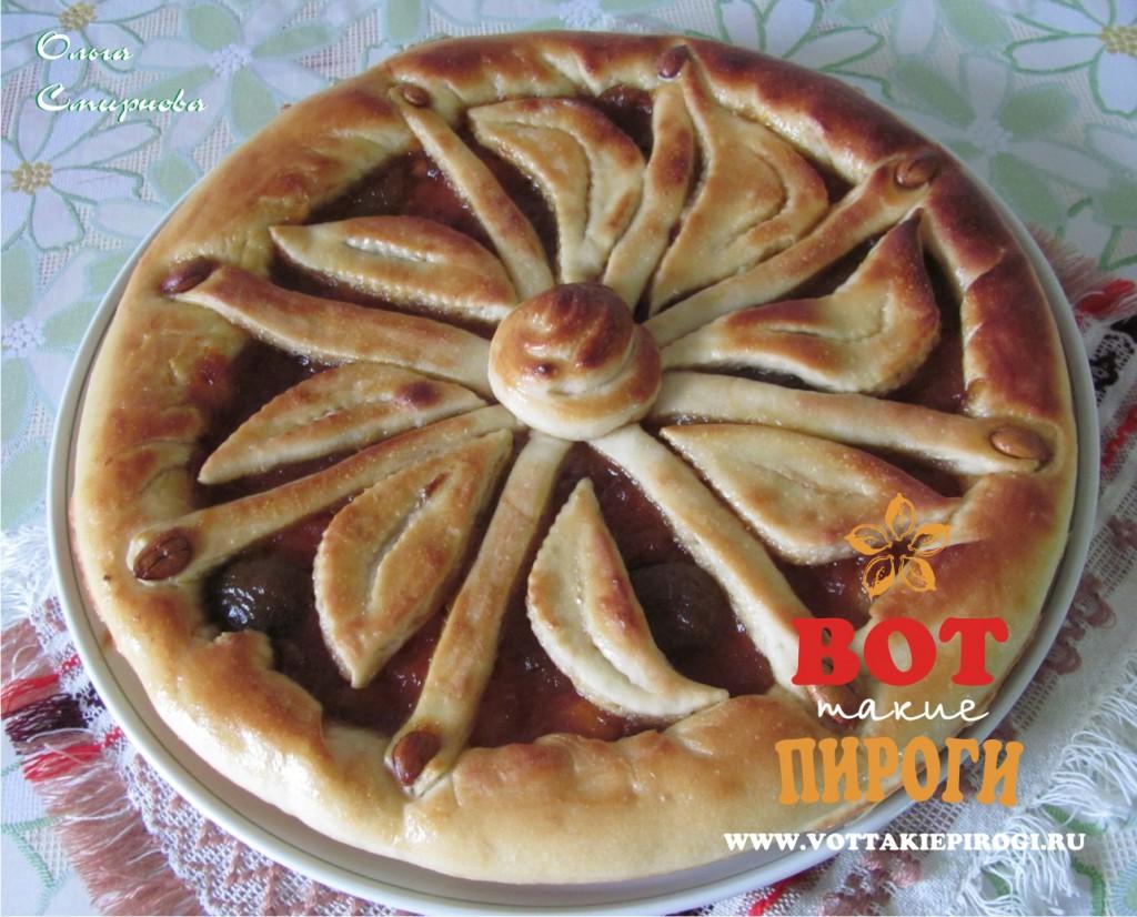Открытый пирог с вареньем