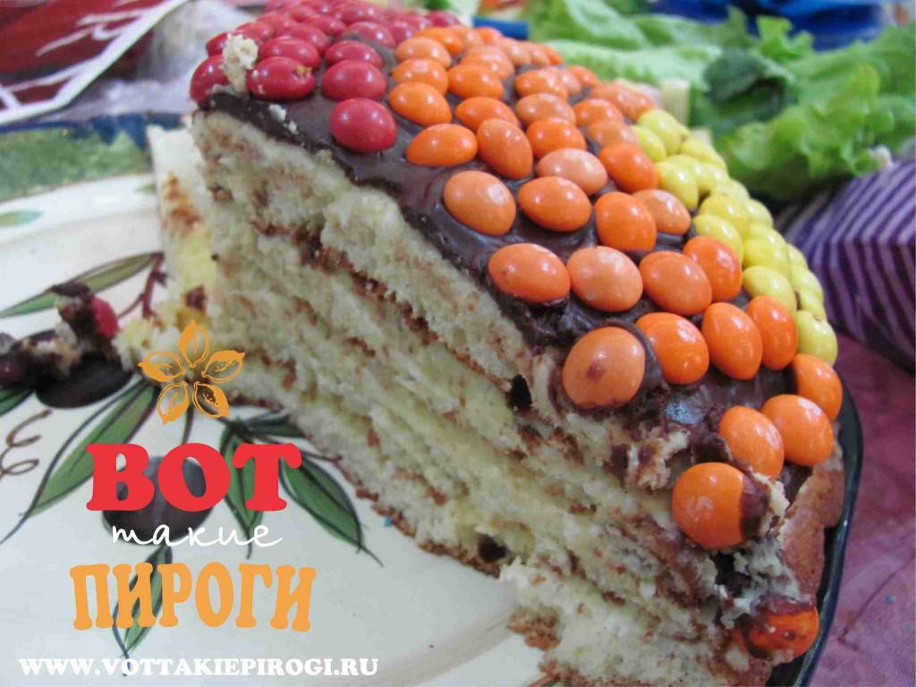 торт украшенный m ms